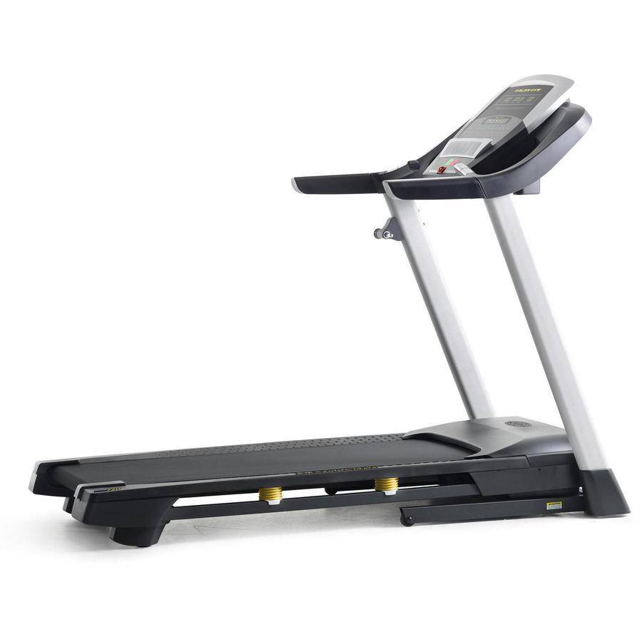golds-gym-trainer-720